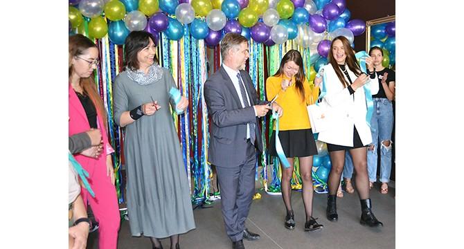 Atviras jaunimo centras: pagaliau pavyko surengti oficialią atidarymo šventę!